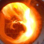 Пламя на выходе вихревой горелки